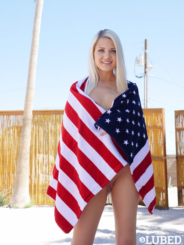 Ashlee Mae 4th Of July In 4K Porn | Daily Girls @ Female Update