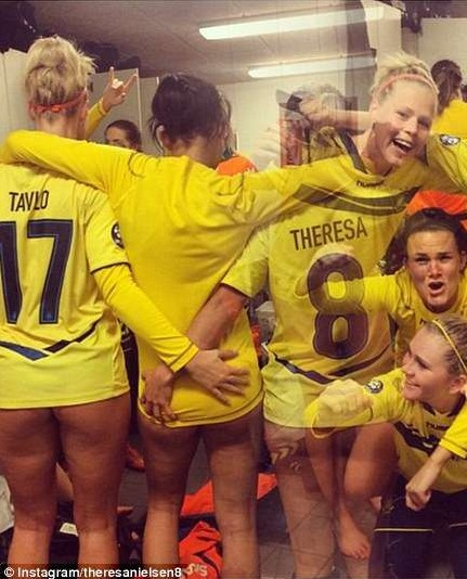 Brondby Ladies Team Flash Their Asses to Celebrate | Daily Girls @ Female Update