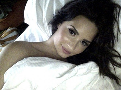 Demi Lovato Selfies In Bed | BabesBible.com | Daily Girls @ Female Update