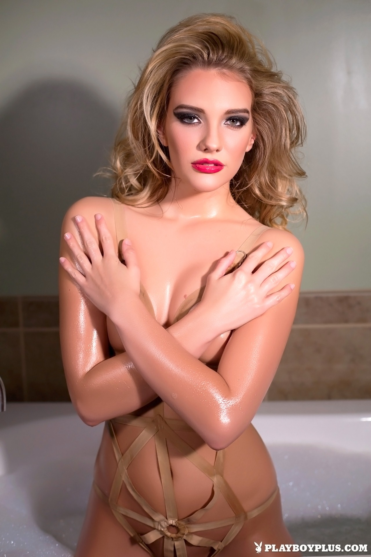 Kenna James naked In The Bath for Playboy | Daily Girls @ Female Update