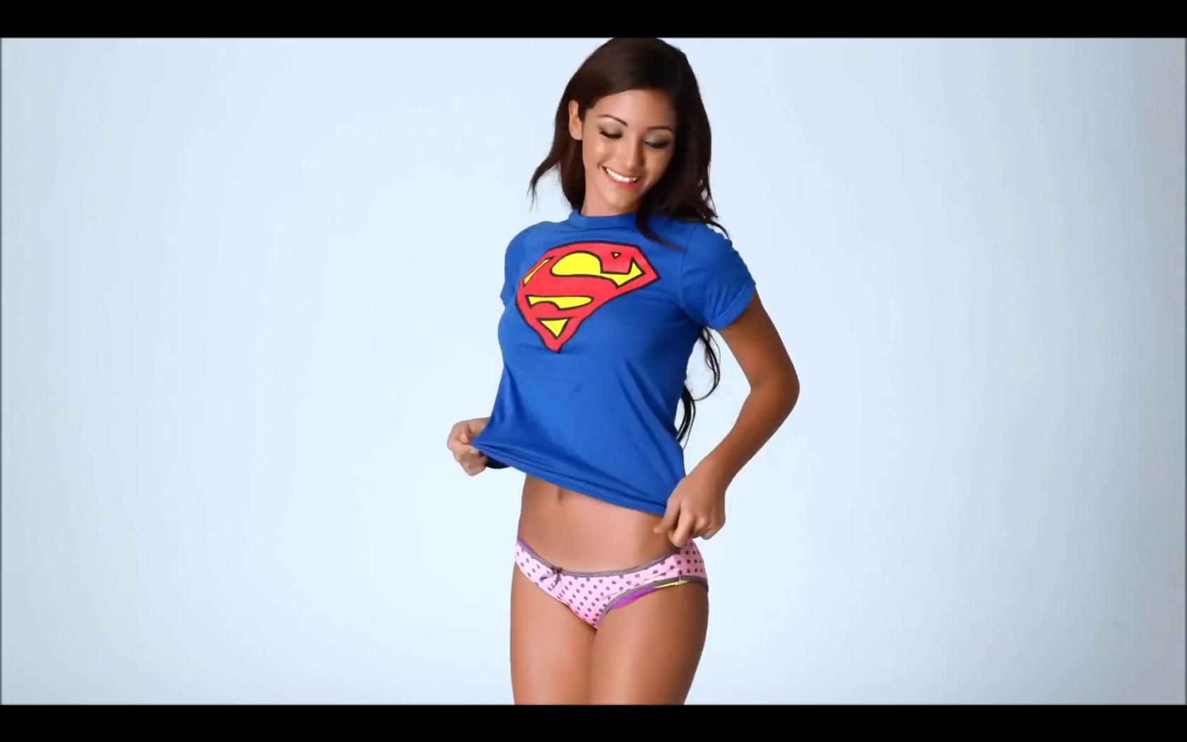 Melanie Iglesias – Sexy Flipbook | Daily Girls @ Female Update