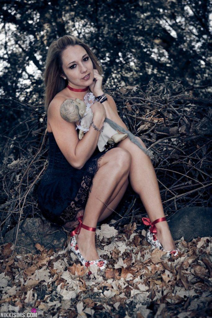 Nikki Sims Halloween | Daily Girls @ Female Update