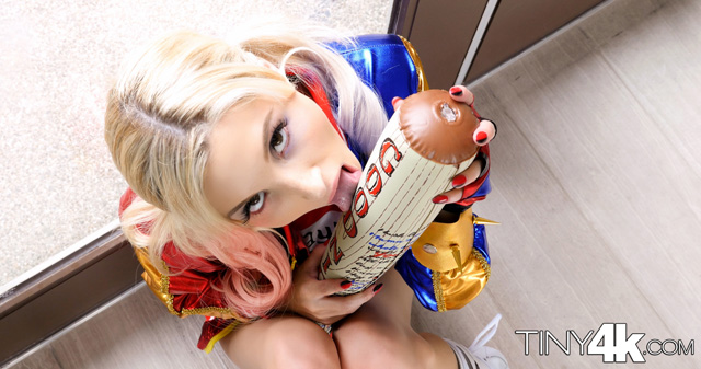 Piper Perri Is Harley Quinn XXX | Daily Girls @ Female Update
