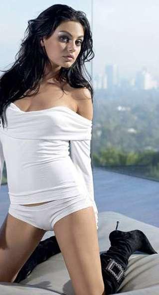 Sexy Mila Kunis Photos | Near Nude Mila Kunis Pics | Daily Girls @ Female Update