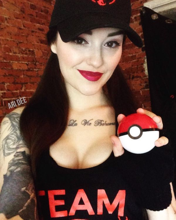 Ten Hottest Cosplayers on Instagram | Daily Girls @ Female Update